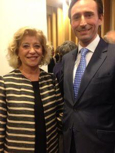Miguel Maldonado, accésit del Premio Científico A.M.A. 2013, junto a Blanca Fernández, presidenta del COOOA